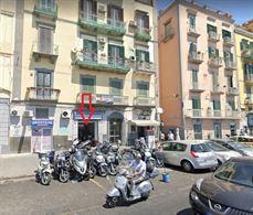 Locale commerciale via Riviera di Chiaia