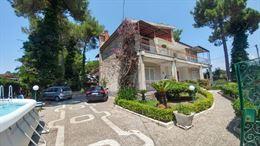 Splendida villa bifamiliare.Ideale x vacanze a Mondragone