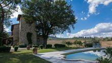 A Sarteano-Siena casale ristrutturato con cura
