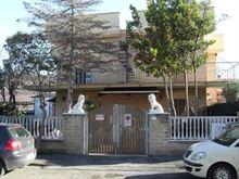 Villa in Ladispoli due livelli 100mq con giardino