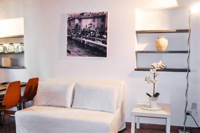 Appartamento in affitto a Milano via Vigevano, 14